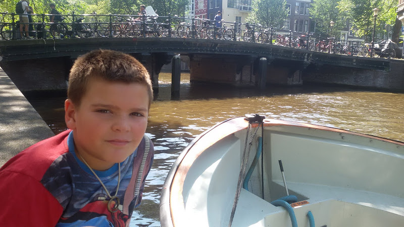 AMSTERDAM 001