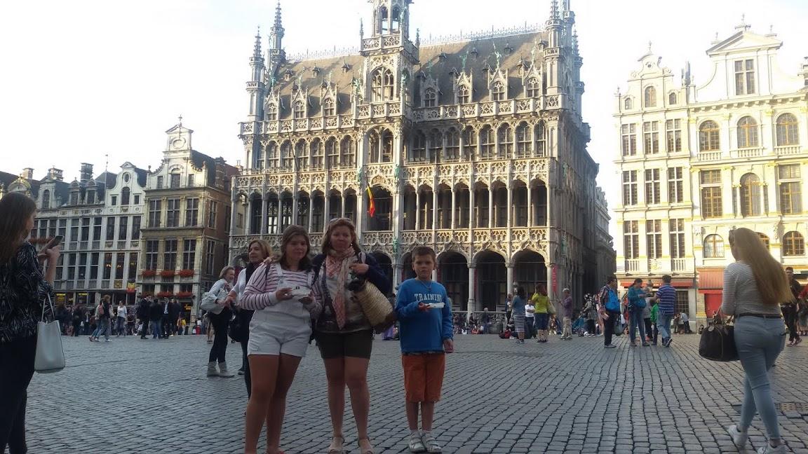 BRUSELAS.35